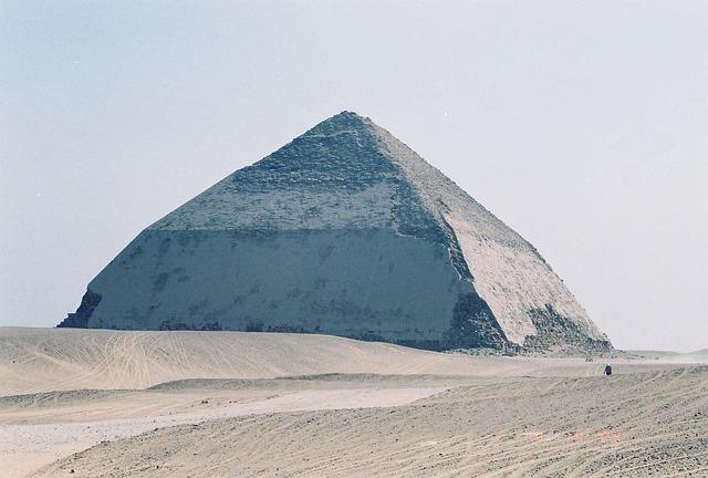 pyramid-387277_640